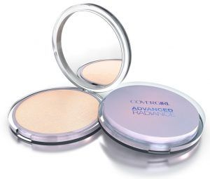 COVERGIRL. Polvo Compacto Advanced Radiance