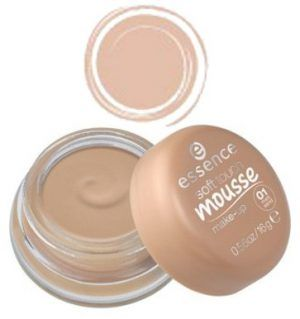 ESSENCE. Base Soft Touch Mousse Make-Up 01 Mat Sand